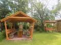 altana-z-grillem-w-ogrodzie